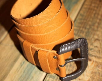 Leather belt, chestnut brown color