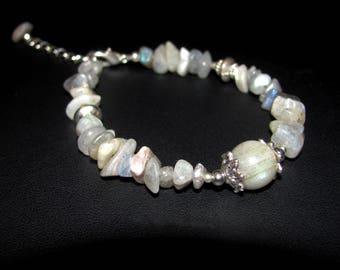 Light gray Labradorite gemstones bracelet