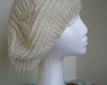 Miss snow white beret