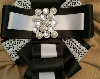 Modern black and white jabot