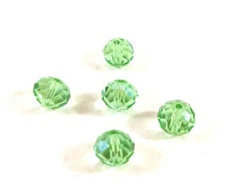 Set of 10 faceted light green synthetic (Ref.101)