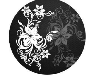 30mm, fleurs blanches fond noir