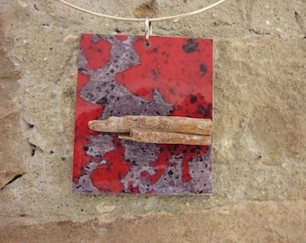 Pendant made of cardboard and paper with cinnamon bark