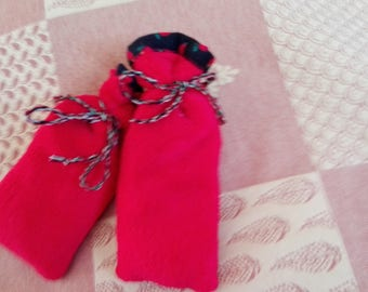 set of 2 small bottles were dry fleece blanket to warm red