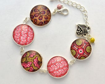 "African pattern ""Wax"" glass cabochon bracelet."