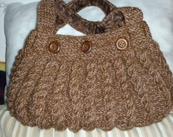 hand knit bag twists
