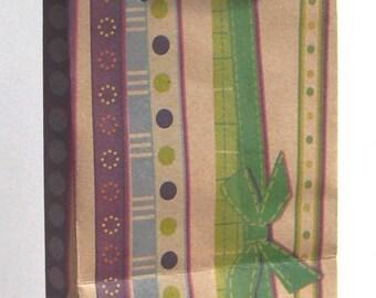 Prints 1 KRAFT paper gift bag with GUSSET REF 3B