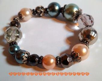 Pearl Bracelet. Vintage Bangle. Stretch Bracelet.  Afrocentric Bangle. Afrocentric Accessories. Bohemian style.