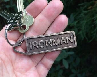 Custom running gift for runners, personalized keychain, personalized gift for runner, marathon gift, triathlon gift, triathlete gift
