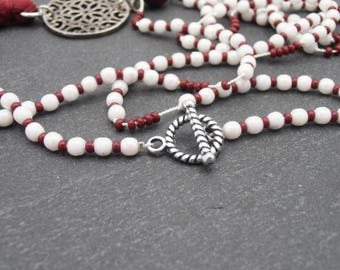 Ethnic necklace, white and Burgundy pendant tassel print