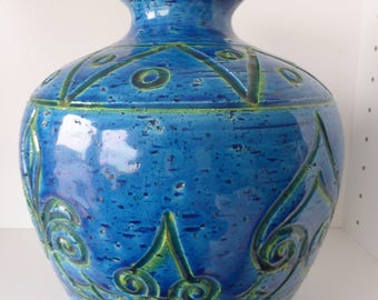 Ceramic Rimini Blue Vase made in Italy, With formnumber 9678, Italy 1970.