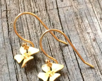 Earrings plated gold with small orchids