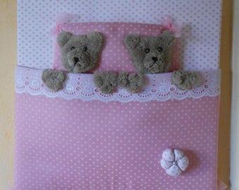 Little bear cubs setting