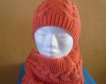 Hat and snood 2 turns