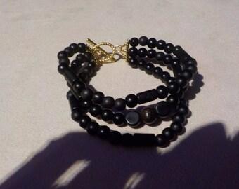 Bracelet has 3 rows