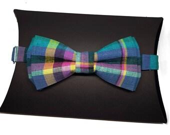 Society Gent's Checked Tartan Pre-Tied Bow Tie.