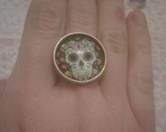 Skull cabochon ring