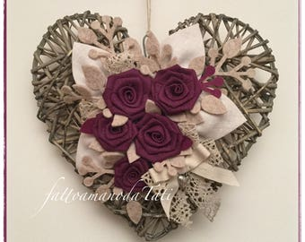 Natural Wicker linen with rose heart cyclamen and lace