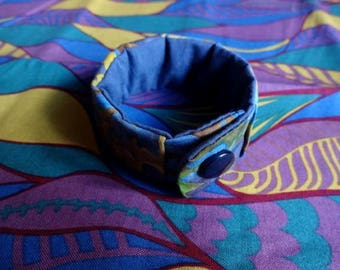 Bracelet in blue and green batik fabric