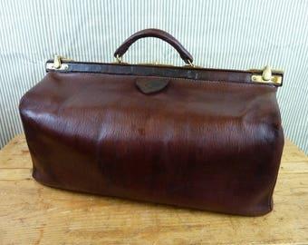 Vintage gladstone bag or keep all. England ca. 1930 - AT193