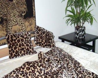 Top offer! 3 piece set, 1 bedspread 200 x 160 + 2 pillowcases 40 x 40 leopard