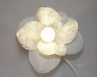 White Flower Lace Lamp Exclusive Lighting Device Bedroom Lamp for Child's Room Night Light Table Lamp Original Wedding Gift Romantic Light