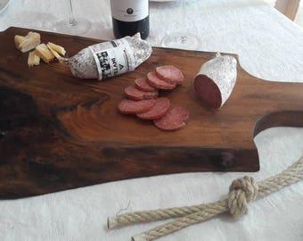Chopping board in national walnut Wood