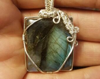 Silver wire wrapped labradorite pendant