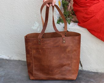 Tote bag Tote bag with pockets Large leather tote bag Tobacco distressed structured leather Hand stitched waxed tobacco leather tote