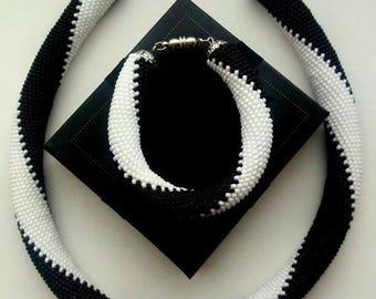 Жгут-колье из бисера, бисерный жгут, жгут из бисера, чешский бисер, бисер Тохо, украшения ручной работы, бижутерия, украшения из бисера