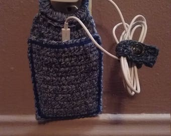 Cellphone holder hanging charger