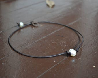 Leather Pearl Choker using Freshwater Pearl
