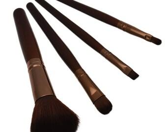 4 makeup brushes