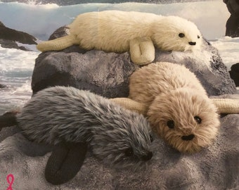 Knitted seals