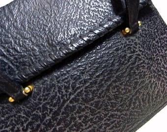 Fiber Street VINTAGE! lovely beautiful leather and metal  vintage handbag