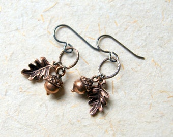 Acorn and Oak Leaf Earrings - Antiqued Copper Woodland Charm Earrings - FREE GIFT WRAP