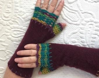 dark plum fingerless gloves . cashmere fingerless gloves  . texting gloves . dark plum cashmere gloves