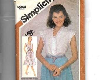 Simplicity Misses' Pullover Dress or Top Pattern 5882