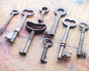 Antique Skeleton Key Lot - Mixed Rustic Old Keys - Instant Vintage Key Collection - Victorian - Golden Era