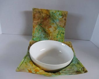 Microwave bowl cozy, greens, golds, kitchen, kitchen and dining, microwave hot pad, microwave safe, bowl holder, hot pad, table,