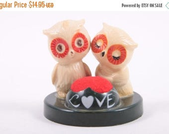 Adorable Vintage Owl Sewing Pin Cushion Two Owls In Love - Plastic ~ The Pink Room ~ 161110C