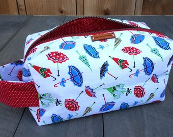 Boxy Zippered Bag -- Retro Umbrellas -- Crafter -- Makeup -- Project -- Toiletries -- Dopp Kit -- Clutch