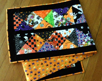 Quilted Reversible Table Runner, Halloween, Hour Glass, Handmade Table Linens