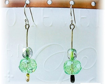Green Crackle Glass Earrings, Pastel Green Summer Dangle Drop Earrings, Czech Glass Beaded Earrings - E2012-11