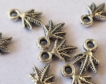 Silver plated leaves charms 8