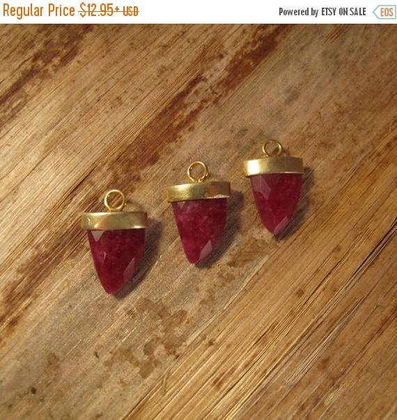Summer SALEabration - Ruby Pendant Point, One Gold Plated Bezel Set Pendant, 20mm x 13mm, Double Sided, Faceted Gemstone Charm for Making Je