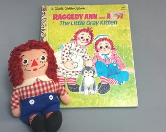 Raggedy Andy Vintage Doll with Raggedy Ann and Andy Golden Book -  Red White and Blue -  soft stuffed doll -  vintage doll - sailor doll,