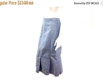 Summer Sale Vintage 1980s Denim Pleated Panel Skirt//  Vintage 80s Denim Midi Skirt// Cute Retro Skirt // Modest Skirt // Size 9 -10// 136