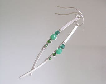 Linear Chrysoprase Earrings, Sterling Silver Dangles, Long and Slender Curved Earrings with Emerald, Cosmopolitan Style, Everday Wear