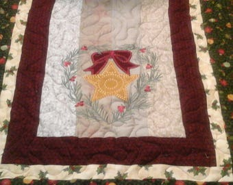 Embroidered wreaths  table  runner